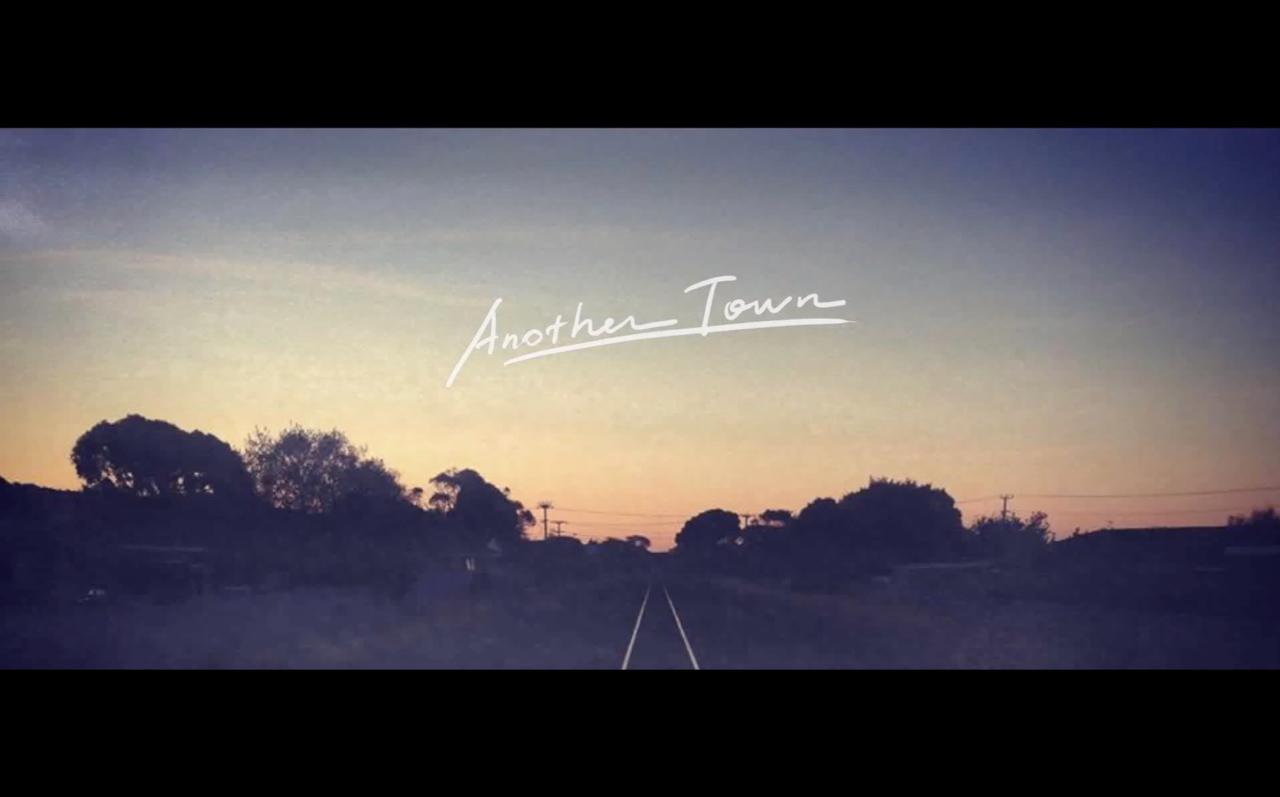 【音樂MV 】Fann 芳怡-Another Town下一個城